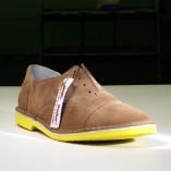 scarpa bassa wally walker color cuoio con suola gialla
