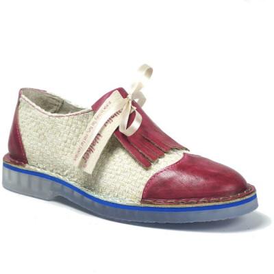 scarpa bassa in pelle tinta a mano e tessuto intrecciato, patella a frange in pelle e laccio in raso