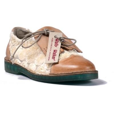 scarpa bassa in pelle tinta a mano e tessuto con rose, patella a frange in pelle e laccio in raso