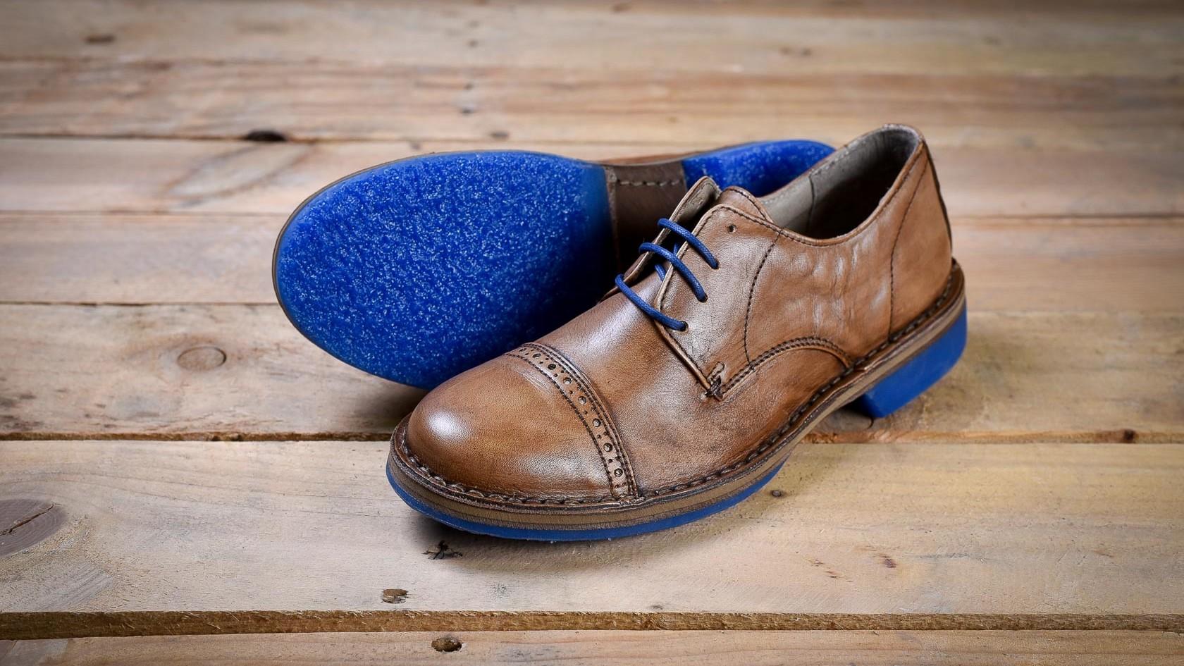 fanio scarpa elegante ed alternativa